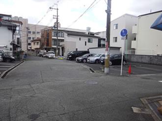 ⑫そしてここは右へ!左手に見える紺色の建物がみとい製作所です! お疲れさまでした。